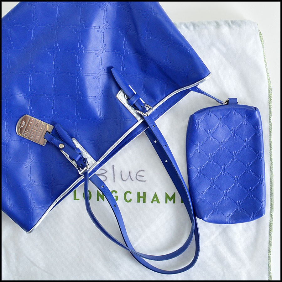 Longchamp Royal Blue LM Cuir Tote Bag comes with