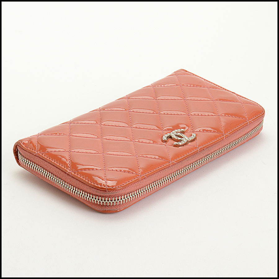RDC10943 Chanel Melon Patent Quilted Leather Zip Wallet bottom