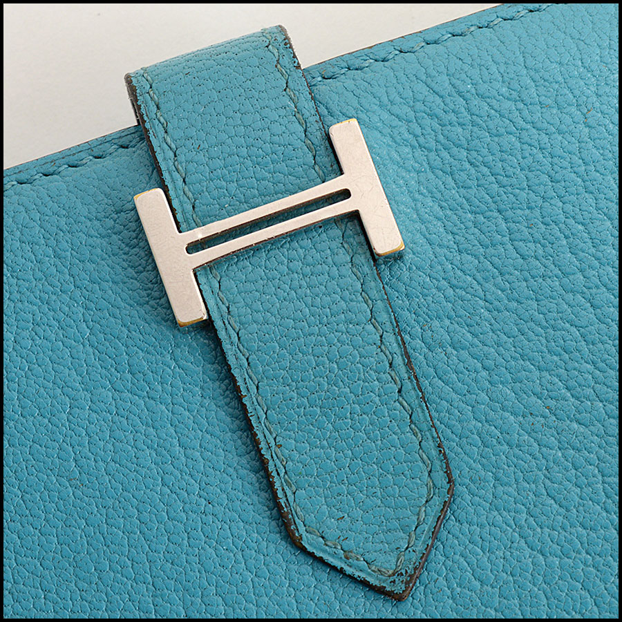 RDC11308 Hermes Turquoise Chevre Bearn Wallet close up