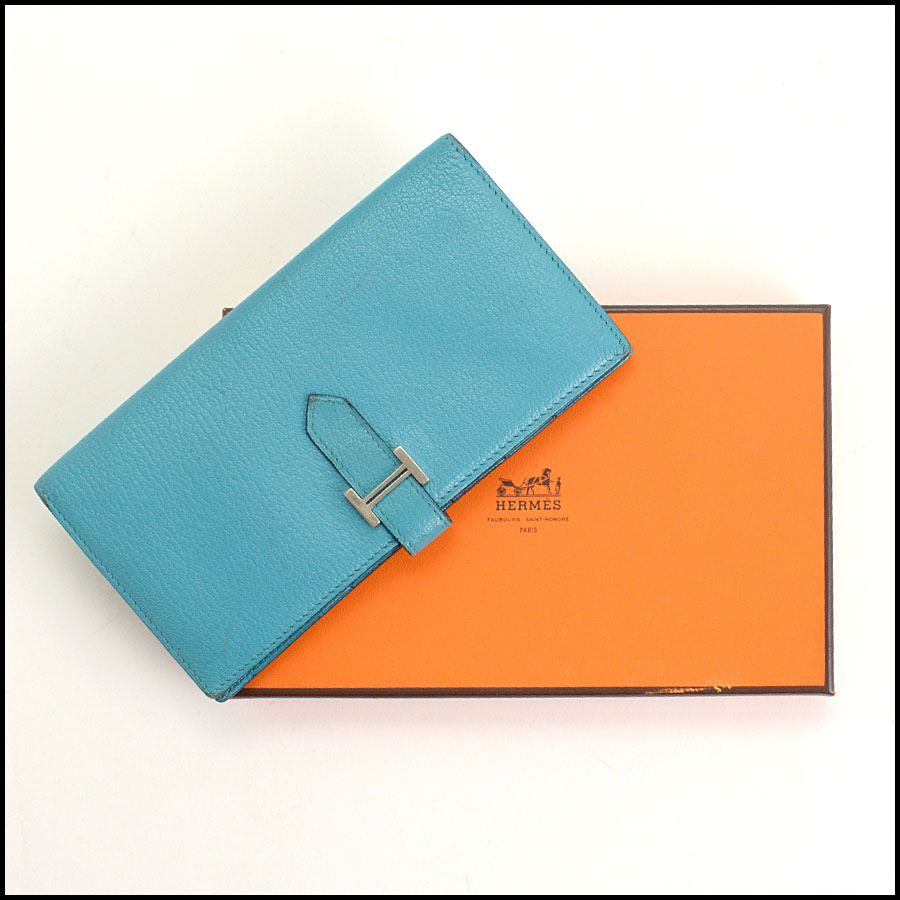 RDC11308 Hermes Turquoise Chevre Bearn Wallet includes