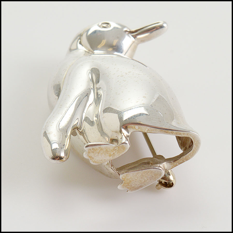 RDC10771 Tiffany & Co. Sterling Silver Penguin Brooch close up