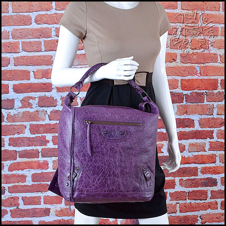 RDC6040 Balenciaga Raisin Purple Lambskin Day Hobo Bag Mannequin