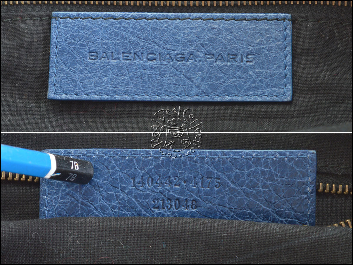 Balenciaga Day Hobo logo tag