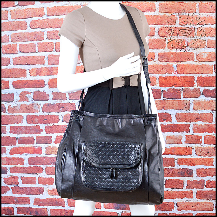 Bottega Veneta Black Messenger Handbag
