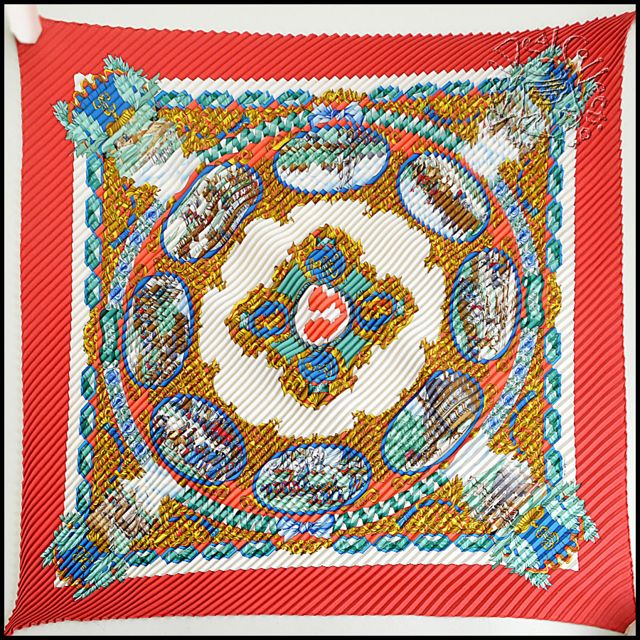 Hermes L'Entente Cordiale Pleated Scarf