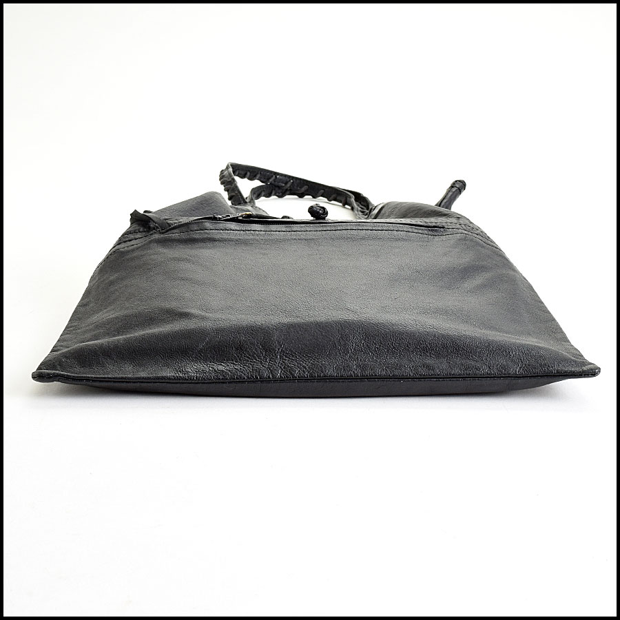 RDC9012 Balenciaga Drawstring Tote bottom