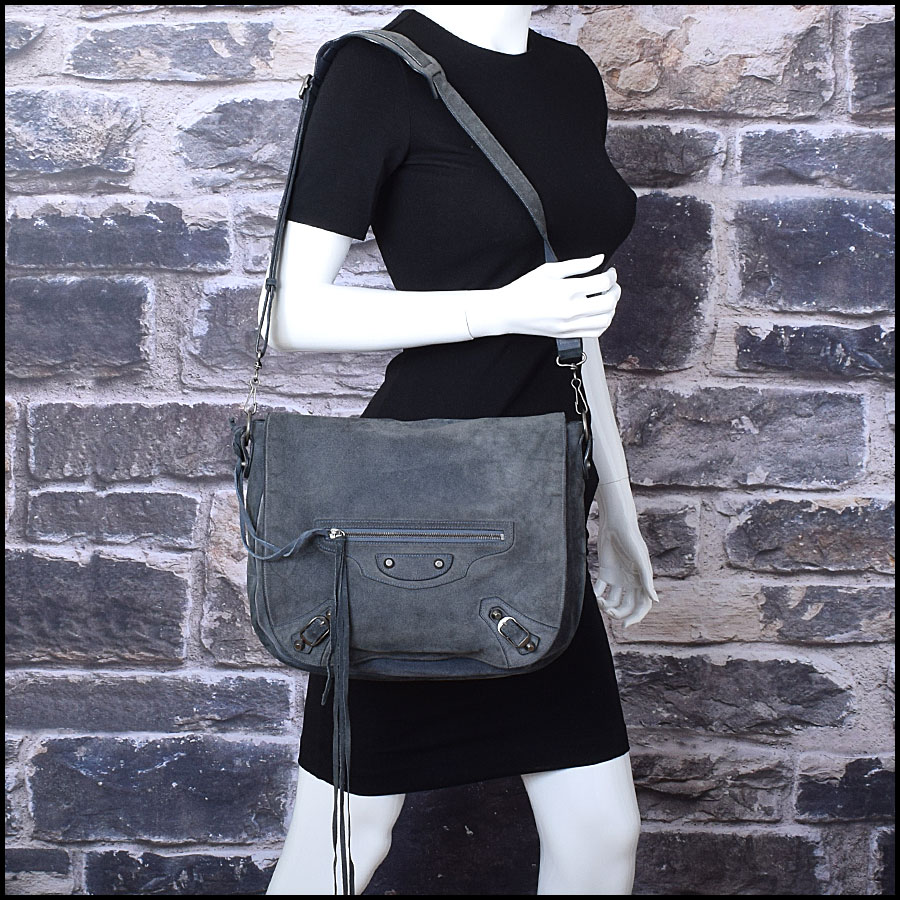 RDC9008 Balenciaga Messenger Folk model