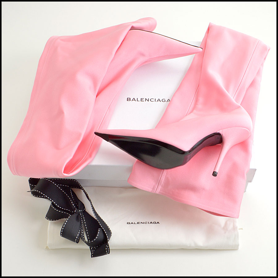 RDC8932 Balenciaga Knife Boots includes