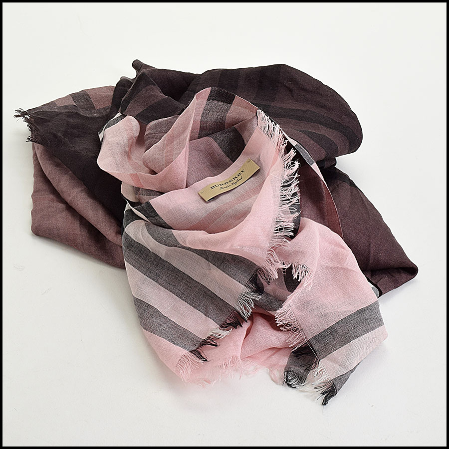 RDC9638 Burberry Pink Ombre Nova Check Wool & Silk Scarf fold