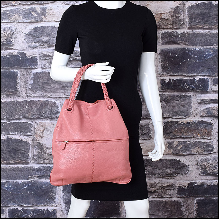 RDC9326 Bottega Veneta Coral Pink Braid Handle Julie model