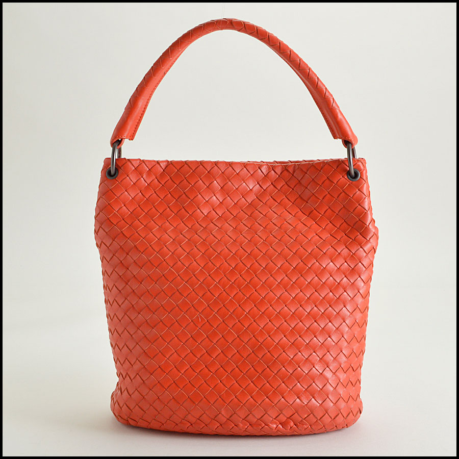 RDC8281 Botegga Venetta tomato red intrecciato shopper back