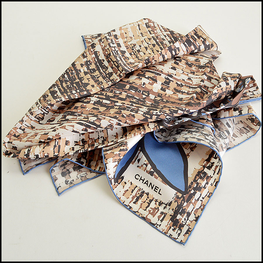 RDC7791 Chanel brown tweed scarf fold
