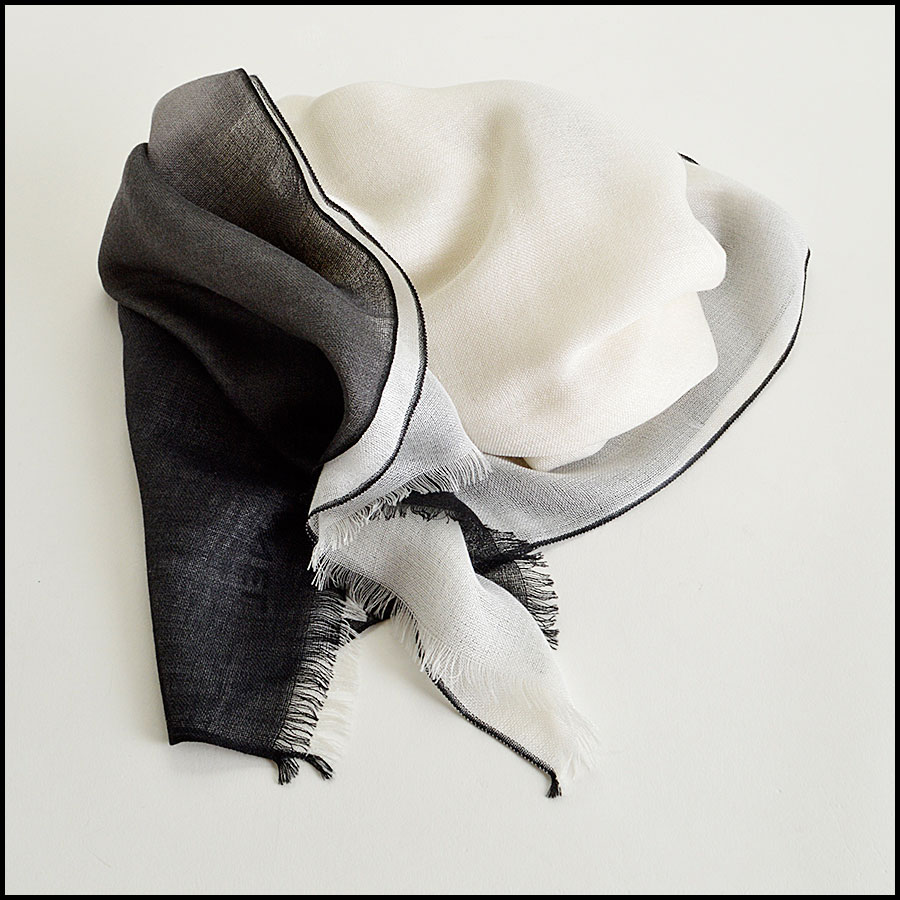 RDC8024 Chanel Cream and Black ombre scarf fold