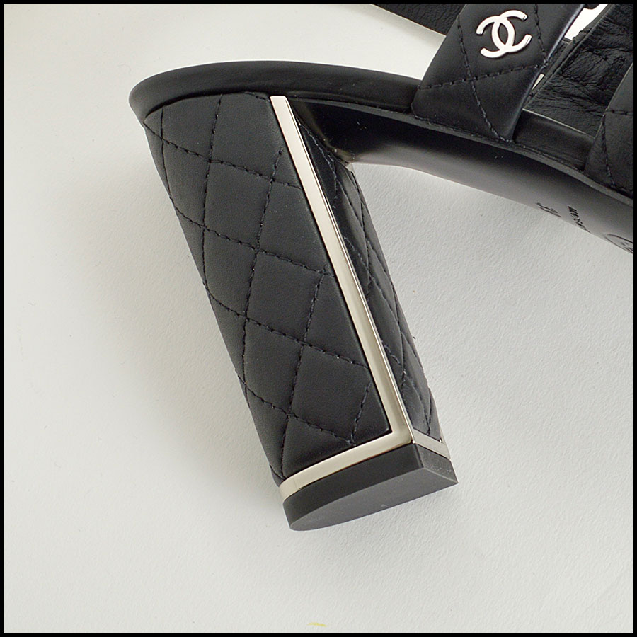 RDC8434 Chanel Black Quilted Cage Heels cu