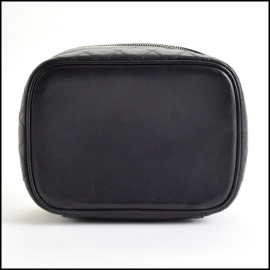 RDC9515 Chanel Black Quilted Lambskin Vanity Case  bottom