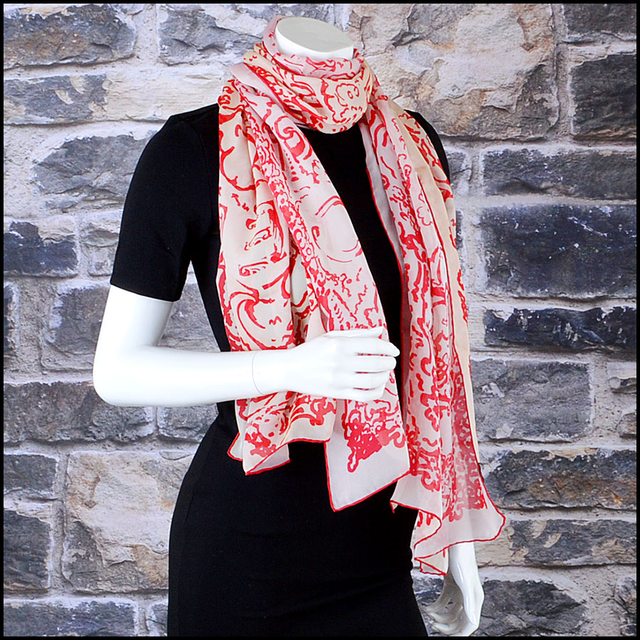 RDC7796 Chanel cream and red scarf model
