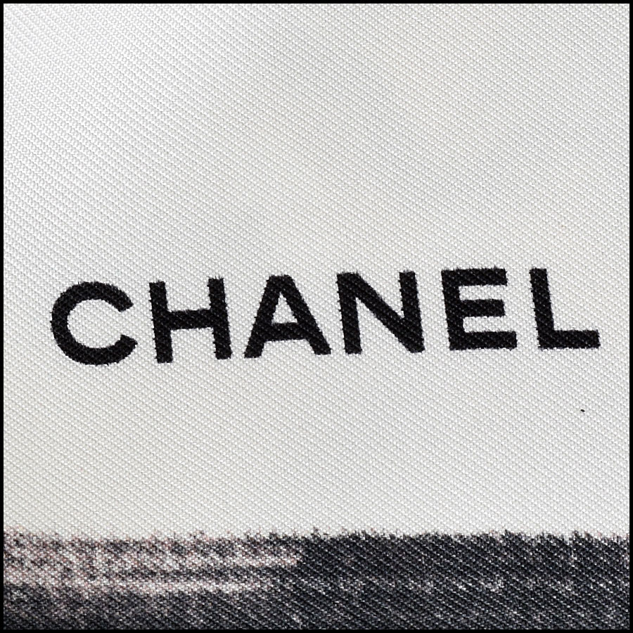 RDC9041 Chanel Front Row Scarf logo