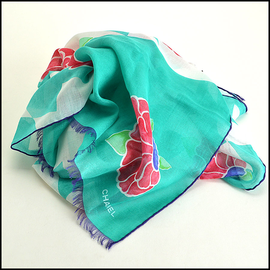 Chanel Green Floral Long Scarf fold