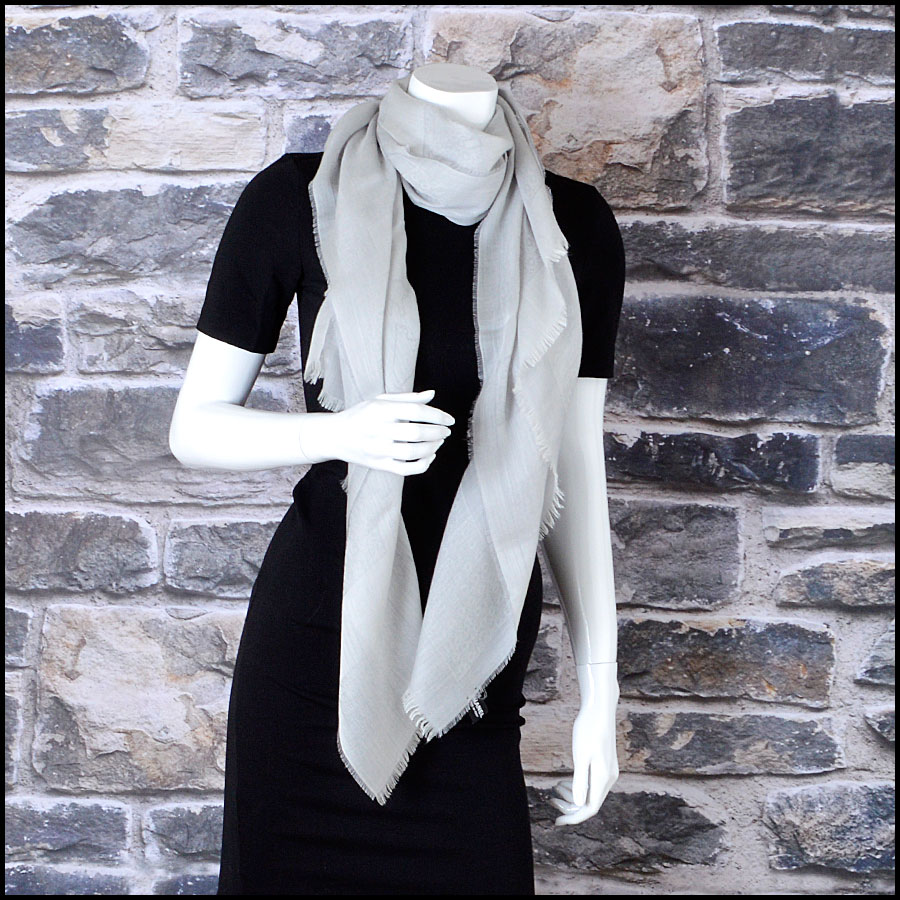 RDC8003 Grey across the globe long scarf model