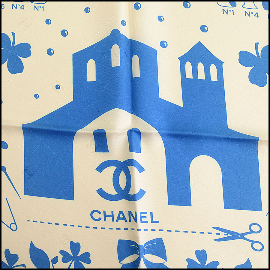 RDC9724 Chanel Beige, Red, & Blue Heritage 90cm Silk Scarf close up