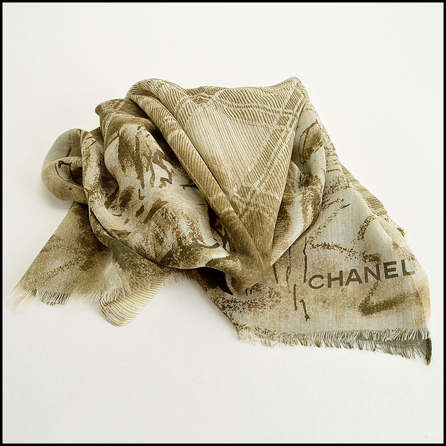 Chanel Khaki and Cream Tartan Cashmere blend Long Scarf fold