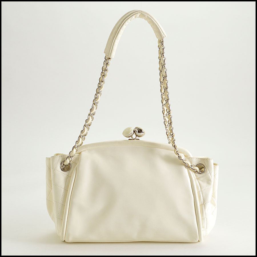 RDC8379 Ivory Lambskin Kisslock Shoulder Bag back
