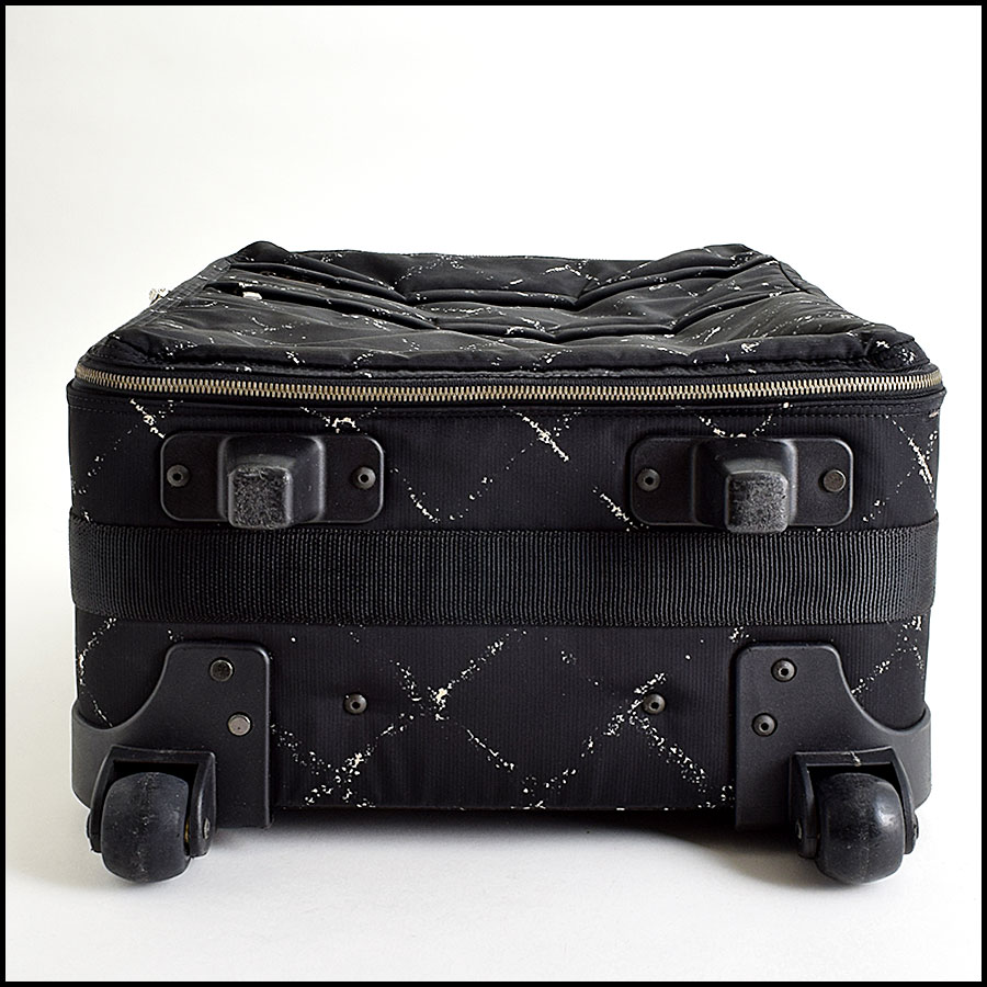 RDC9110 Chanel Carry On bottom