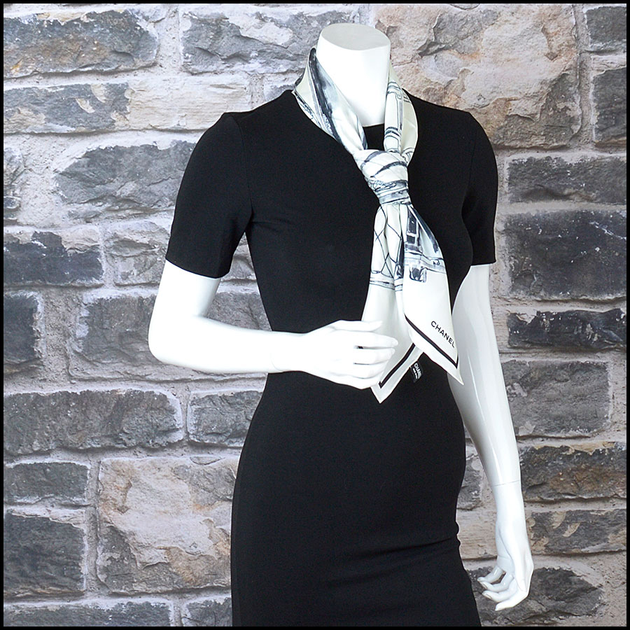 RDC9734 Chanel Summer '16 Ivory & Black Classic Merchandise 90cm Silk Scarf model