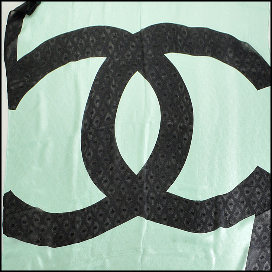 RDC7798 Chanel mink green long scarf close up