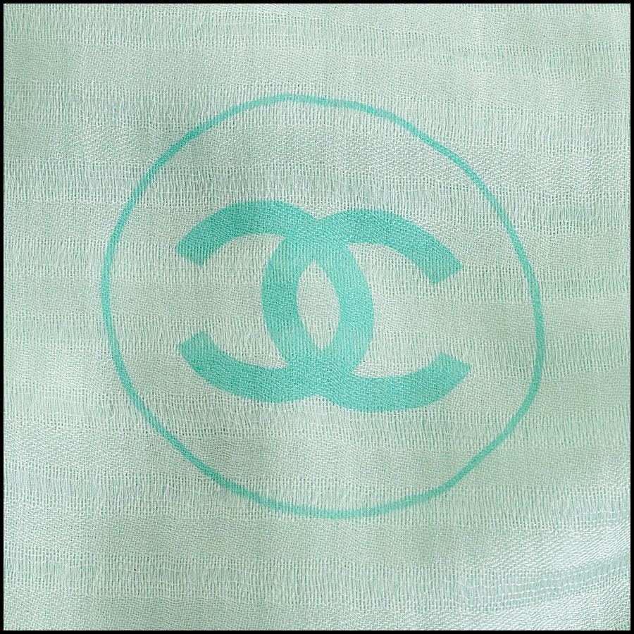 RDC8004 Light green stripes and logo scarf logo