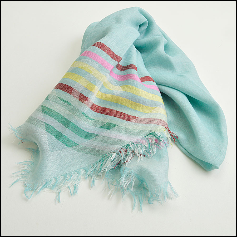 RDC8775 Chane Mint striped Triangle Scarf fold