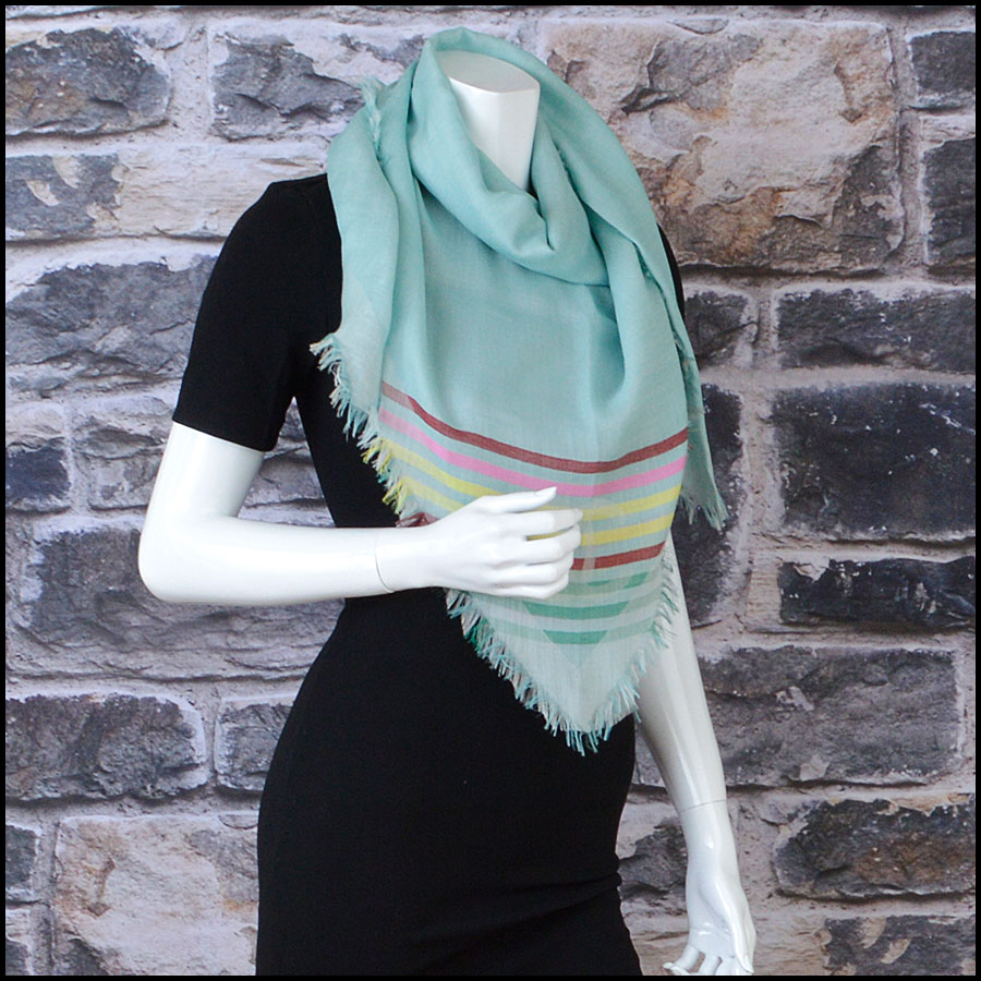 RDC8775 Chane Mint striped Triangle Scarf model