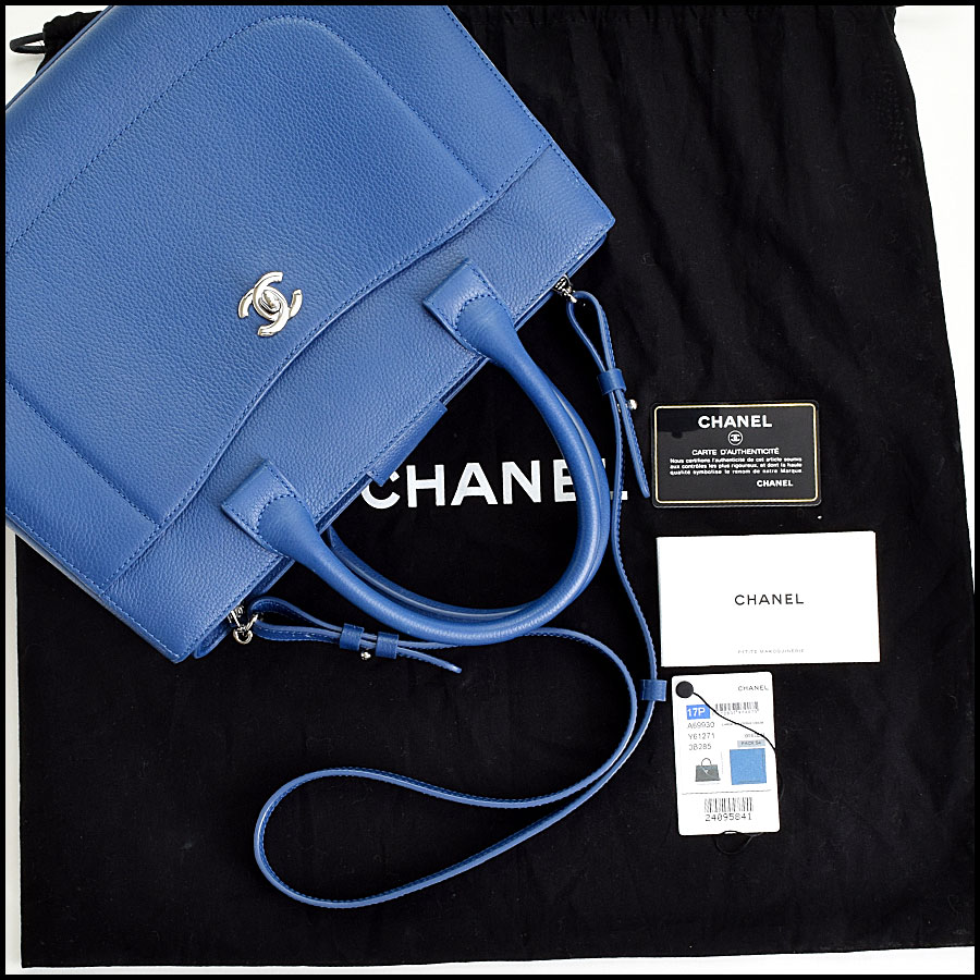 RDC9066 Chanel Neo Blue Tote includes