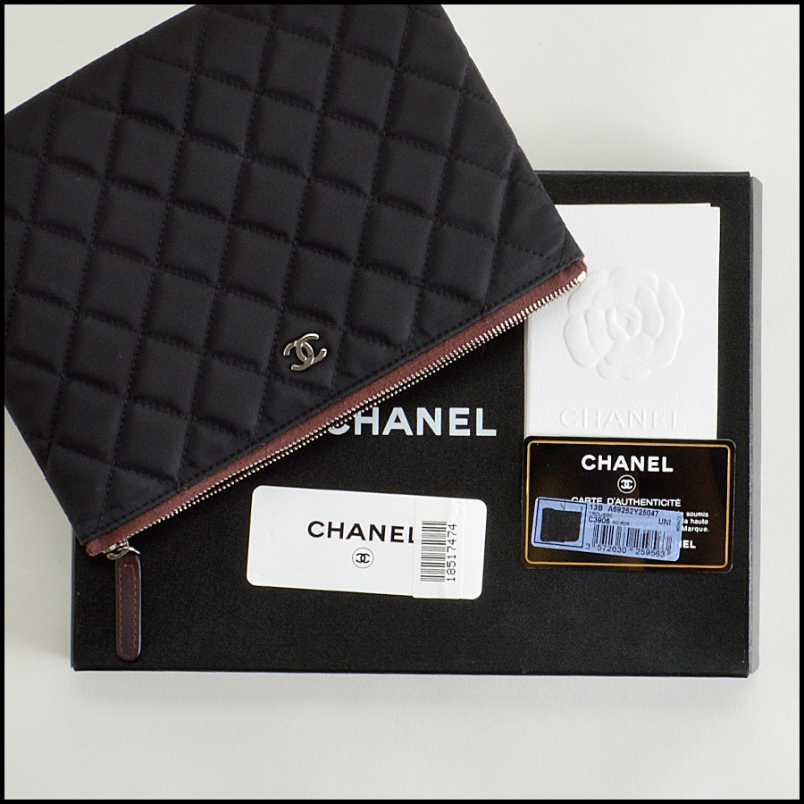 RDC8160 Chanel Black Quilted Nylon 'O' Case extras