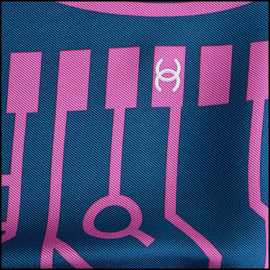 RDC8746 Chanel Computer Chip Scarf close up