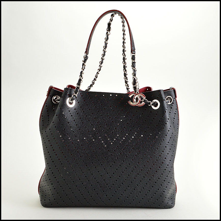 RDC8399 Chanel Caviar Perforated leather chevron tote