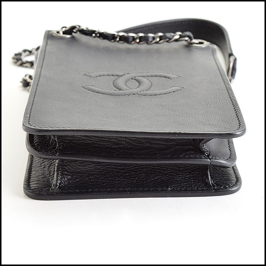 RDC9413 Chanel Iphone Case bottom