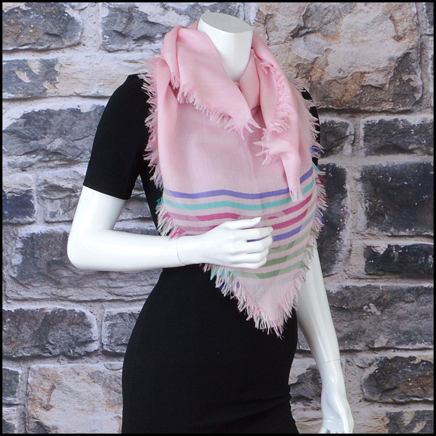 RDC8774 Chanel striped Triangle Scarf model