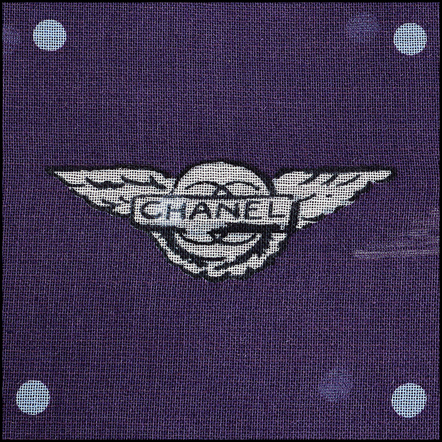 RDC8018 Chanel Airlines Flying Wings Scarf close up 2