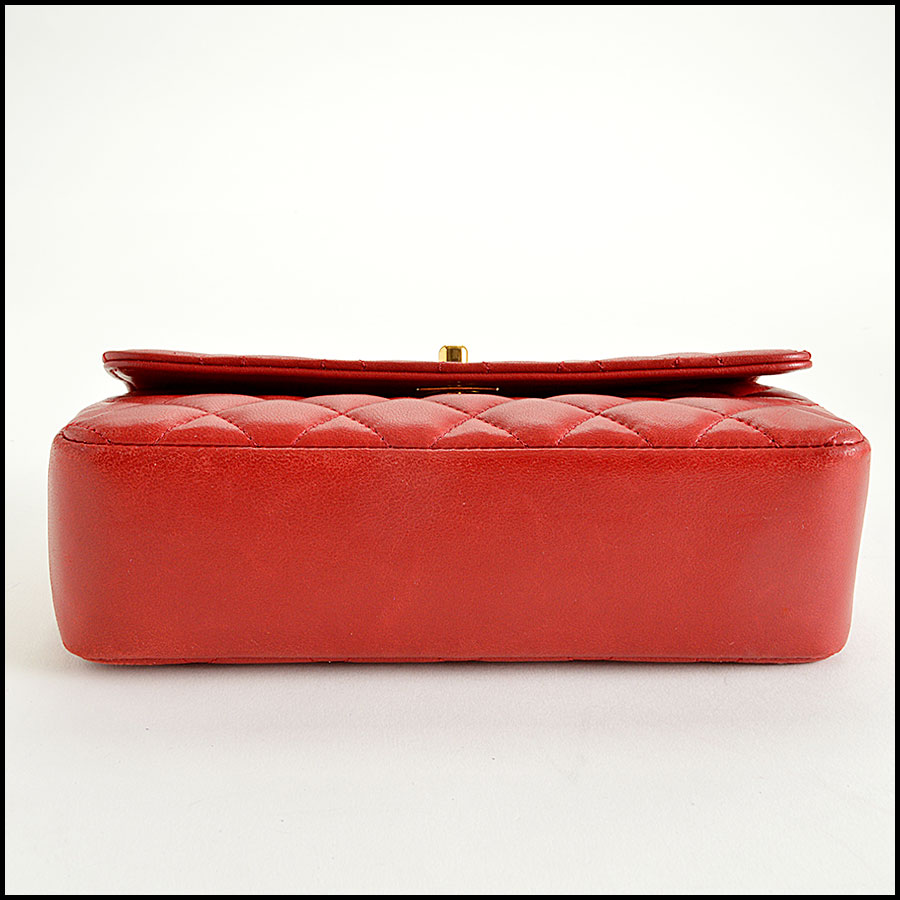 RDC7896 Chanel Vintage red quilted classic handbag bottom