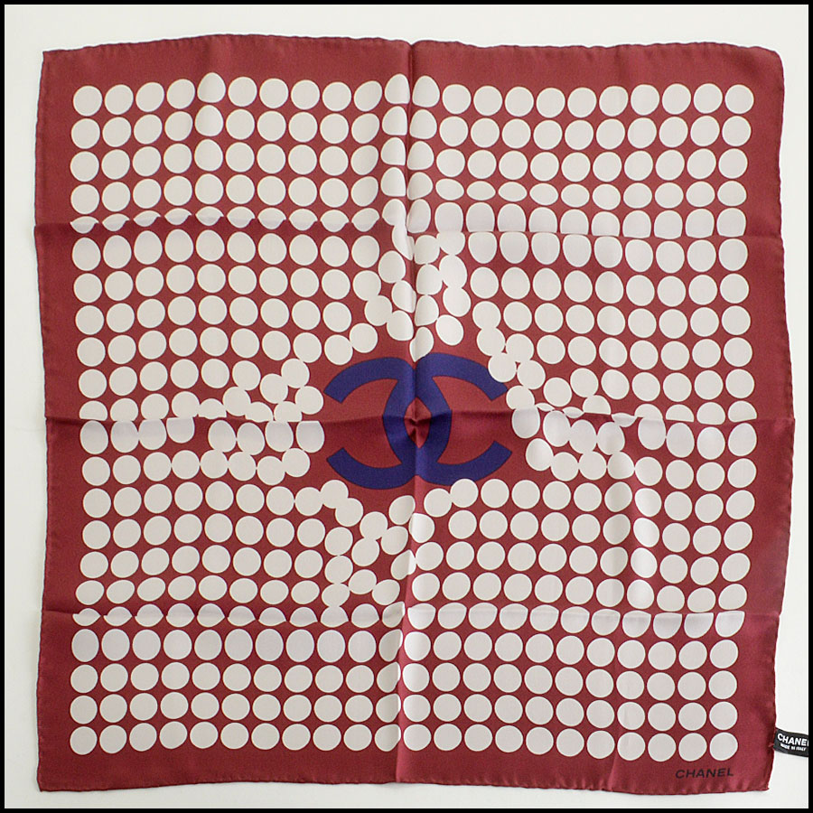 RDC7987 Chanel Maroon Pop art pearls CC logo scarf