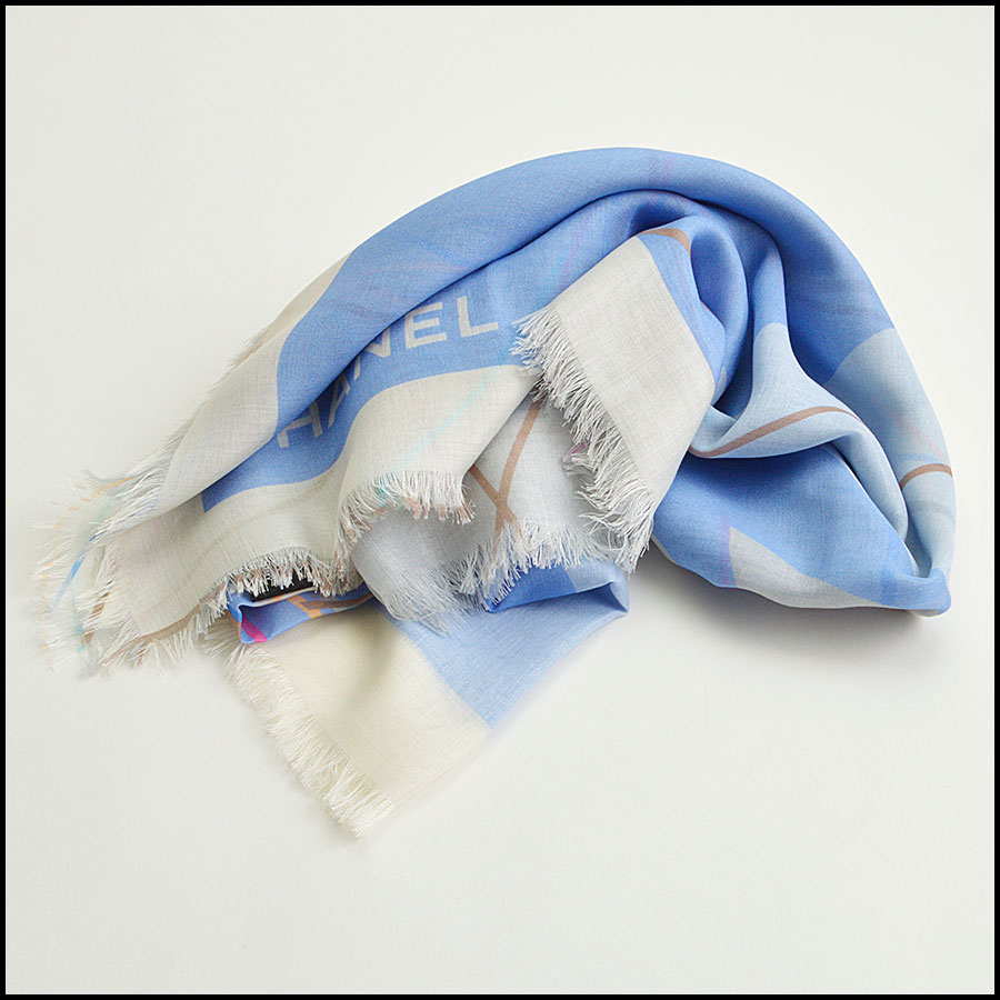 RDC8781 Chanel liner flowers scarf fold