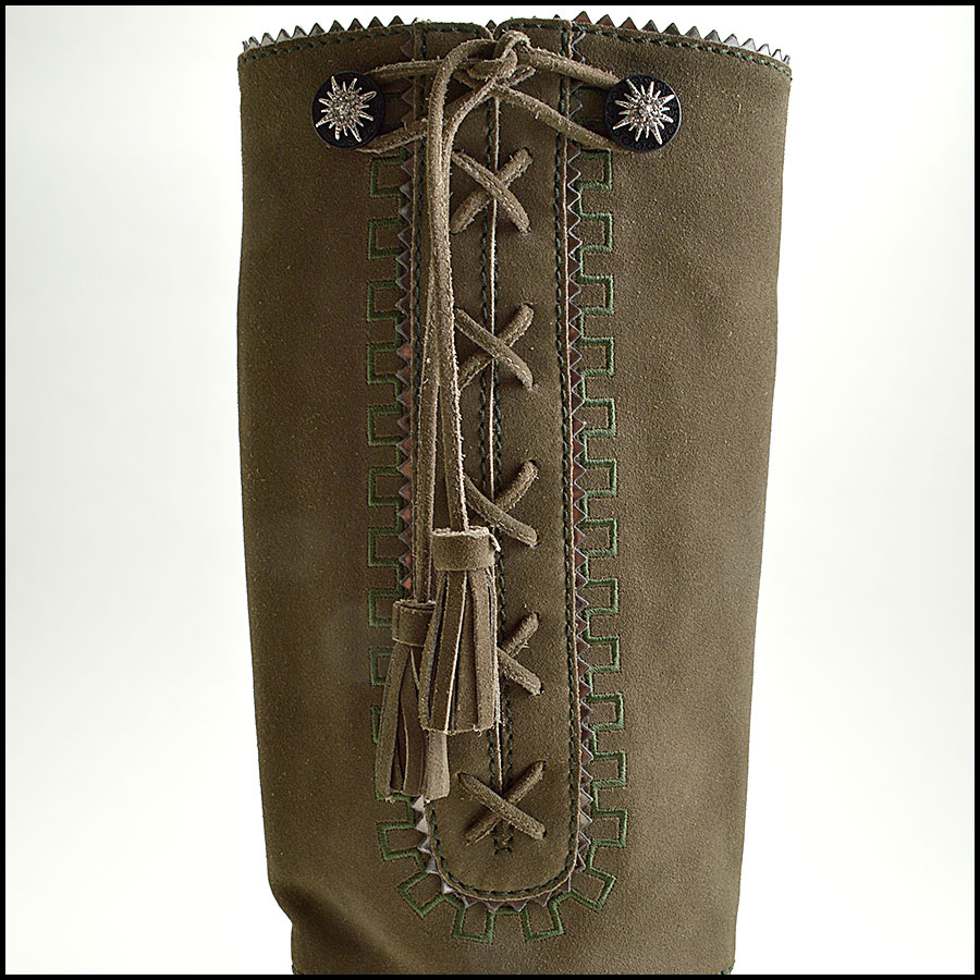 RDC8858 Chanel Green Boots close up