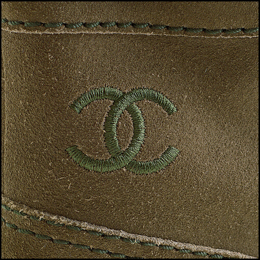RDC8858 Chanel Green Boots tag 2
