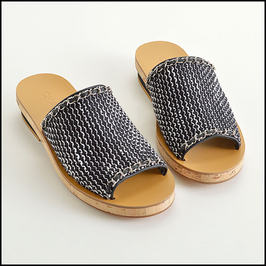 RDC8433 Chanel Black and White Tweed Slides