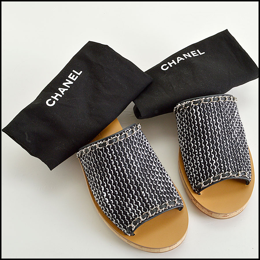 RDC8433 Chanel Black and White Tweed Slides extras