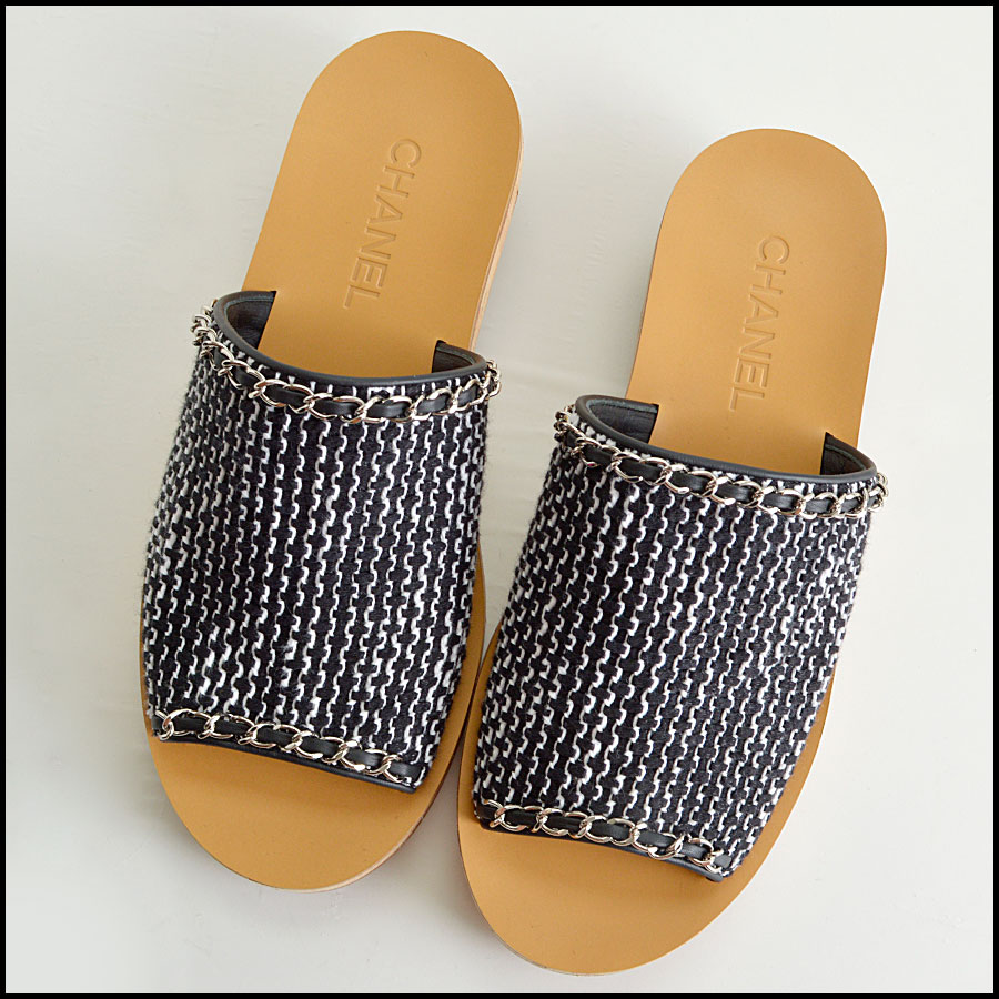 RDC8433 Chanel Black and White Tweed Slides top