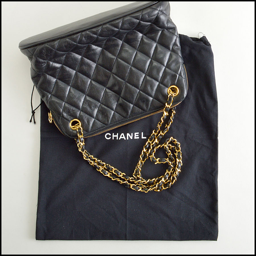 RDC8422 Chanel Vintage Black Quilted Bag extras