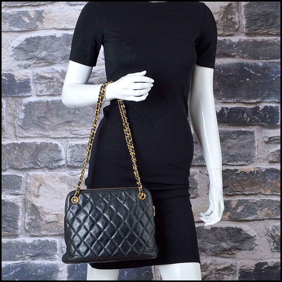 RDC8422 Chanel Vintage Black Quilted Bag model