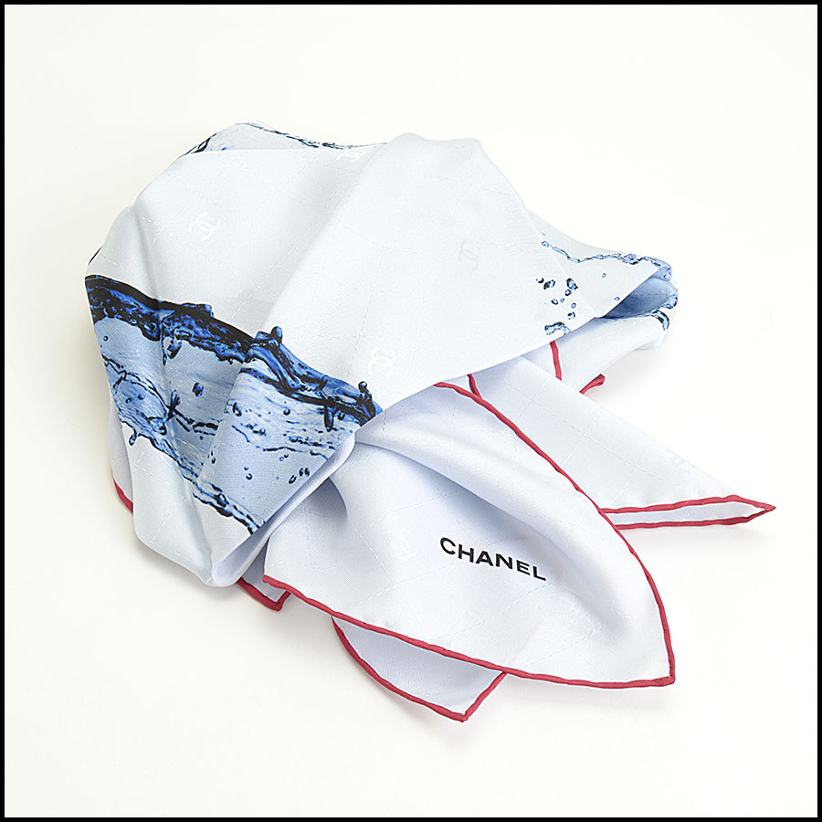 RDC9738 Chanel Summer '18 Grey & Blue Timeless Splash 90cm Silk Scarf fold